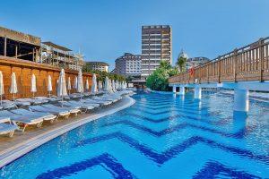 Hotel Saturn Palace in Lara